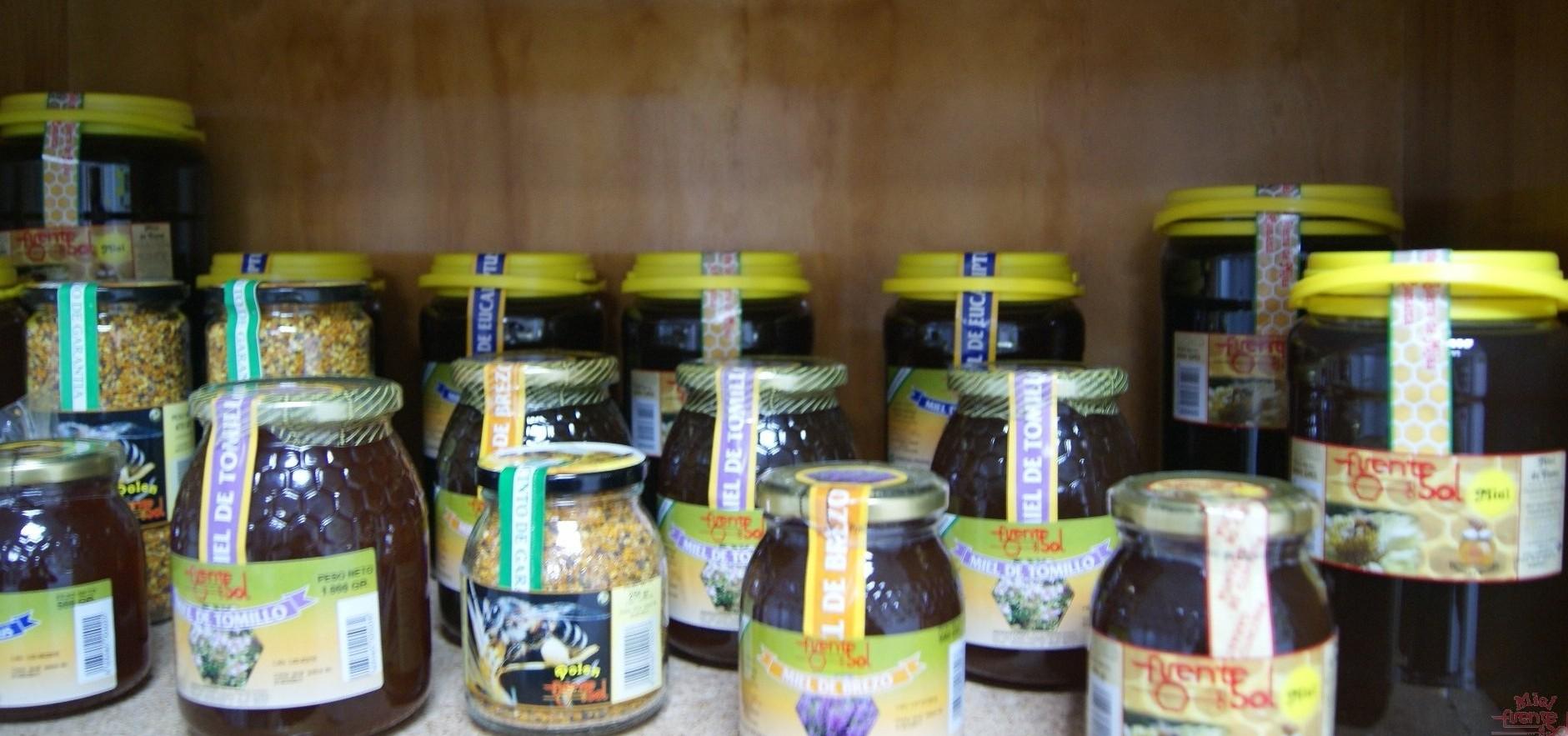Miel de Málaga, Miel de abeja, miel natural. Polen de Málag, fuente de salud. Polen , cera de abejas, colmenas en Málaga, Paneles de cera Málaga, Jalea real Málaga, Apícola Fuente del Sol de Alhaurín el Grande, Málaga